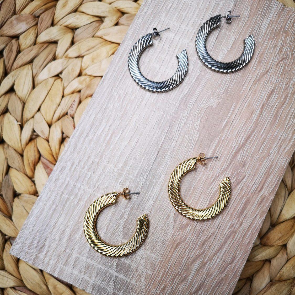 snake hoops