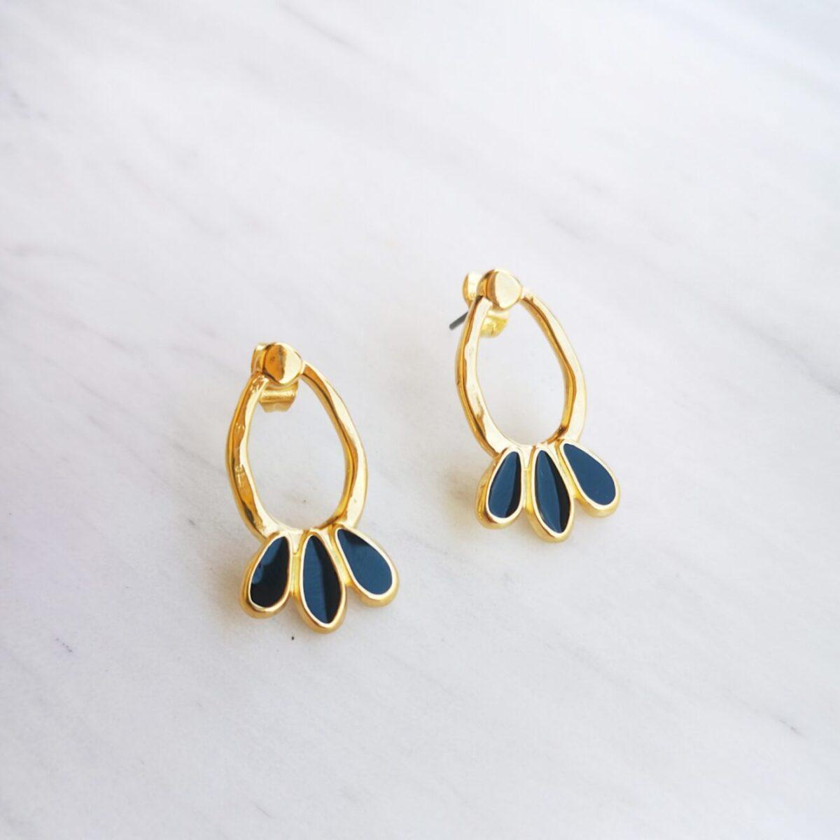 Σκουλαρίκια χρυσά με μαύρο σμάλτο